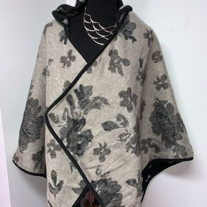 LUCKY BRAND REVERSIBLE HOODED PONCHO
